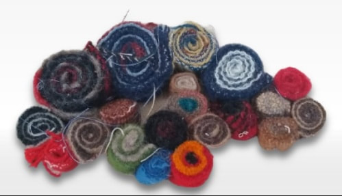 woolen quillie beads of different sizes